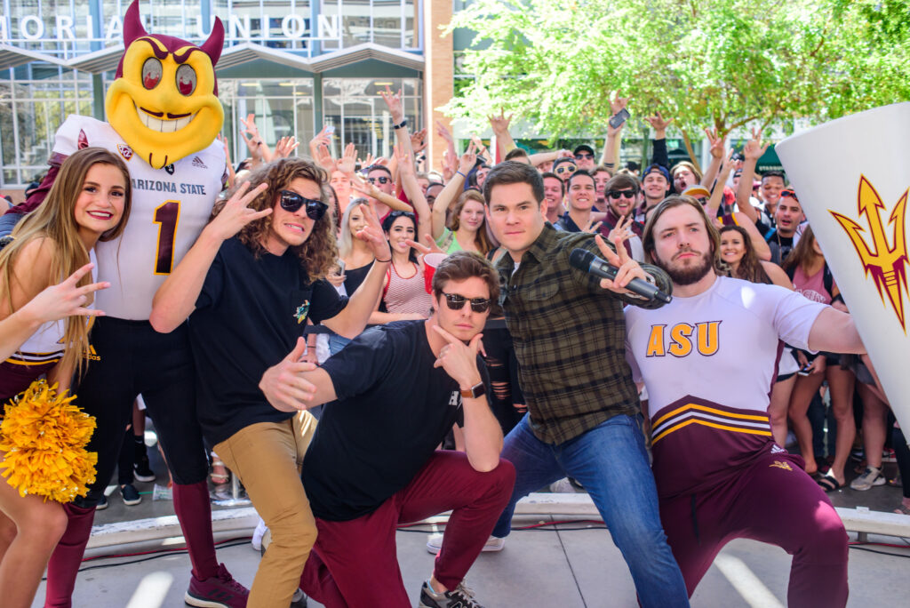 workaholics cast posing for game over man mobile tour